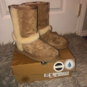 Chestnut Uggs with fur (CARTER Uggs)